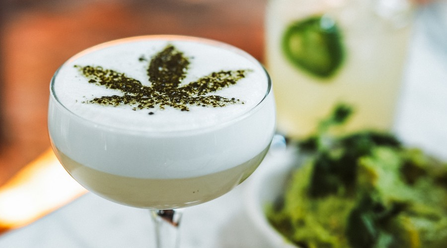 How Does Consuming Cannabis Differently Affect the Experience?